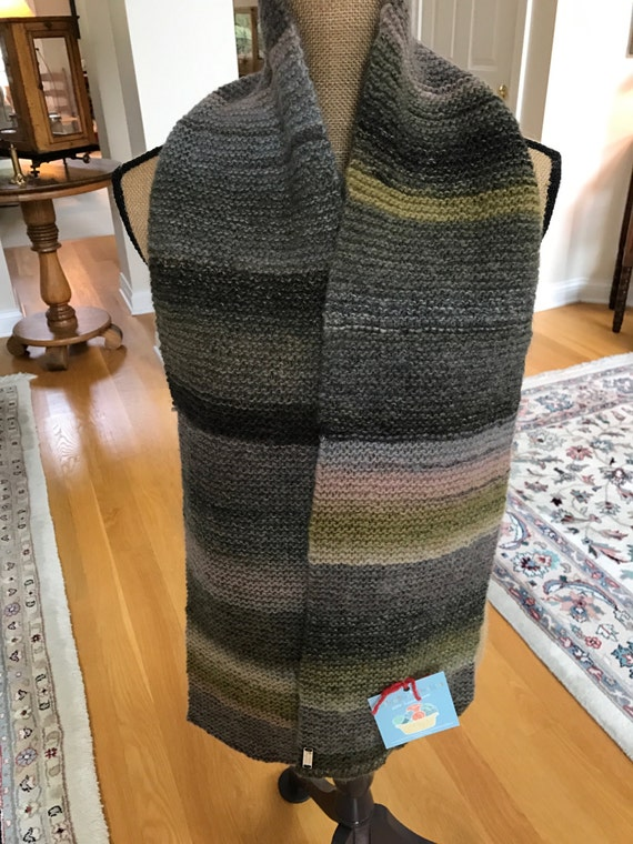 Hand Knit Long Scarf – OLIVE MEDLEY Amazing Yarn