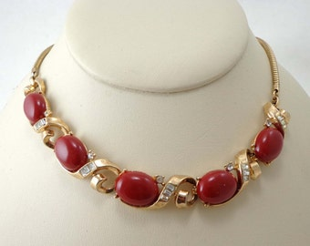 Red Necklace Rhinestones Vintage Thermoset Gold Tone Cherry 743