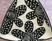 Polka Daisy Triangle Plate