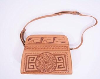 1970s leather bag | tooled brown leather bohemian shoulder bag | vintage 70s bag