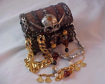 Pirates'  TREASURE CHEST LOT of Vintage Necklaces