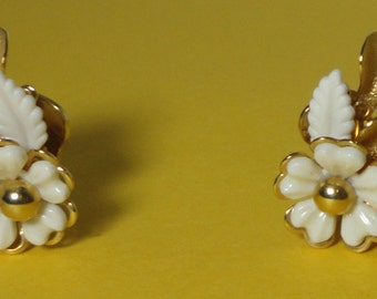 Mid Century Gorgeous Gold tone and White Lucite Flowers and Leaves Earrings.