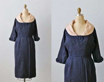 Vintage 1960s Dress / 60s Navy Blue and Blush Sheath Dress with Elbow Sleeves / Silk / Size Large
