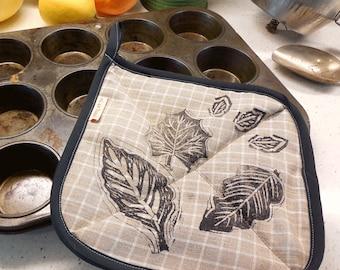 Natural Leaves Linen Potholder