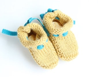 Bow-Back Baby Booties - Cornsilk and Turquoise - Size 0-3 Months - Ready to Ship