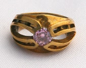 Stunning Vintage Size 6 Gold Ring - May be brass - Pink Tourmaline or Topaz Stone