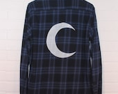 Crescent Moon Screenprinted Flannel Shirt Size S (unisex) - Blue Plaid