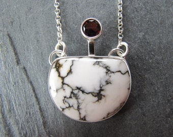 Unique Pendant of Howlite and Garnet in Sterling Silver