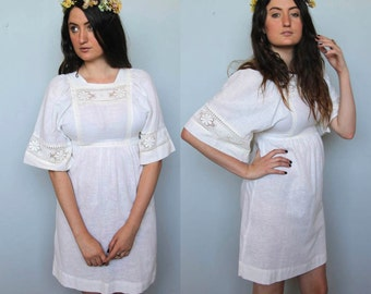fading light -- vintage 70's cream lace detail dress size S
