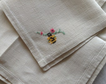6 Vintage Linen Embroidered Napkins, Japanese Lanterns, Cherry Blossoms, Silk Embroidery