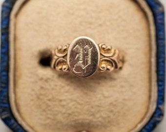Victorian 9K Gold Signet Ring w/ Monogrammed D, size 5/sizable