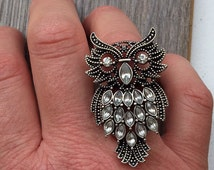 Large statement ring - owl with silvertone rhinestones - band is beads on elastic so it is one-size-fits-most