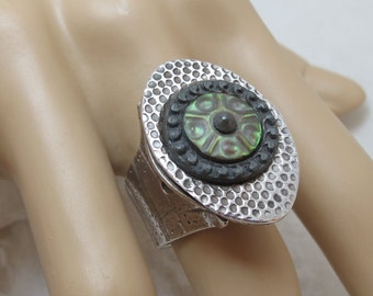 Large Signed Kate McKinnon Fine Silver Ring With Antique Mother Of Pearl Button - Eye Ring - Statement Ring