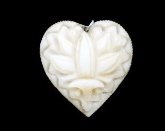 Georgian Era 18th Century Hand Carved Bone Heart