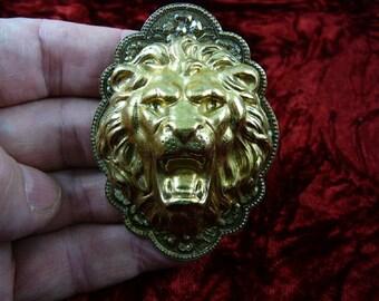 Roaring lion Lions head pride love wild big cats cat lover zoo safari oval shaped flower design repro Victorian brass pin pendant B-Lion-603
