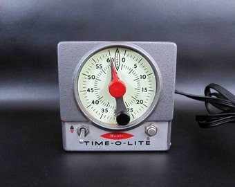 Vintage Master Time-O-Lite Dark Room Timer. Retro Industrial Chic Photo Developing TImer