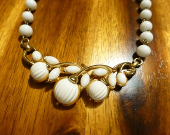 Vintage Trifari Necklace White Molded Glass and Plastic Stones Summer Necklace