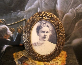 Lizzie Borden Picture dollhouse miniature, gothic, spooky, Halloween, haunted in 1/12 scale
