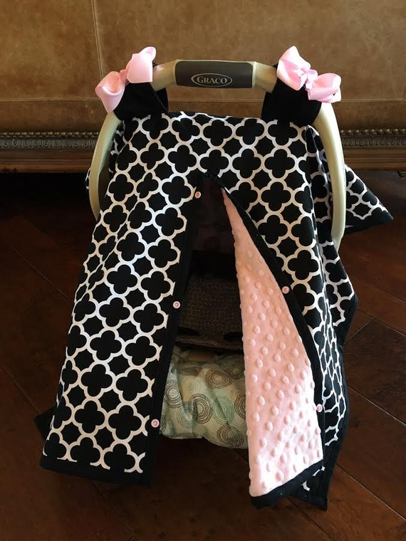 super cute baby car seat covers black quatrefoil and blush. Black Bedroom Furniture Sets. Home Design Ideas