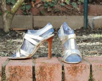 Manolo Blahnik Gold Heels ( Sz 5.5, Eu 36 )