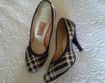 SALE****Vintage Black and Cream Plaid Pumps Heels Shoes Size 5