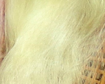 Combed Suri Alpaca Doll Hair 11-12 inches long 0.3 of an ounce Pale Yellow