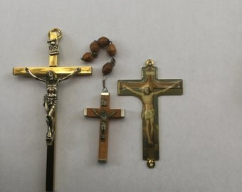 Group of 3 Vintage Crosses Crucifixes Religious Pendants
