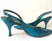 Vintage 50s Metallic Turquoise Blue Patent Leather Sling Backs Pointy Toe size 8 1/2 8.5 39 Pumps Heels 1950s 1960s 60s Shoes