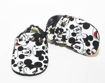 Mickey Mouse Studded Baby Booties, Baby Moccs, Disney moccs, boy Booties, mickey mouse Booties, Disney Booties, mickey, mono booties,