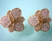Vintage Pave Earrings, CLIP ON Earrings , 1980s Jewelry, Rhinestone Earrings, Vintage Accessories, Gold, Chunky Clips Ons, Crystal Bridal