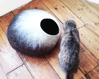 Summer SALE Cat Cave/ cat bed- handmade felt- The Mochaccino - S,M,L, Xl + free felted balls