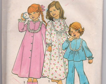 Vintage 1975 Uncut Sewing Pattern, Simplicity 6687 Childs size 4 nightgown, robe, and pajamas