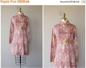 25% OFF SALE... 1960s cocktail dress / 60s dress / long sleeved printed dress / 60s party dress 1960s - size small