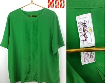 Bright Apple Green Vintage 90s Lightweight Plus Size Blouse!