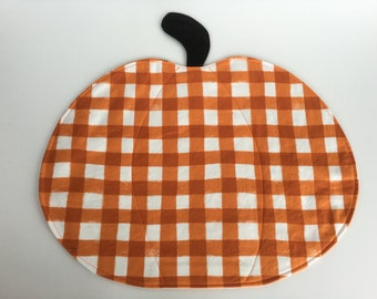 5 Rustic Quilted Fabric Placemats, Holiday Decor, Pumpkins, Orange, Rust, Black, set of 5, Reversible.