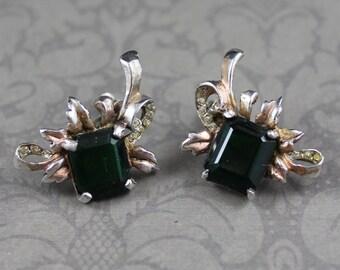 Vintage 1940s Sterling Silver Emerald Green Glass Screw Back Earrings