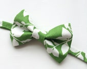 Little Guy Holiday BOW TIE - Green Leaves (3T- 6 years) - Boy Toddler- (Ready to Ship) - St Patrick's Day