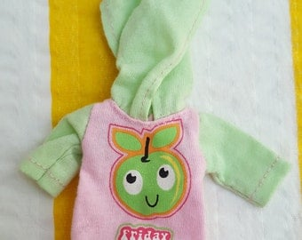 Hoodie with Apple for Lati Yellow Pukifee