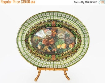 ON SALE Vintage Daher Tin Metal Kelly Green Platter Tray Wall Hanging
