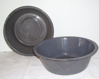 2 Grey Graniteware Enamel Round Pans, Gray Berry Pans, Outdoor Wash Pans, Early Rustic Farm House, Metal Pans, Country Vintage Pans
