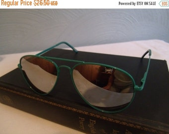 Valentines SALE Vintage Turquoise Aviator Sun Glasses, Foster Grant, Reflective Lenses, Teal Wire Rim Frame, 1980s