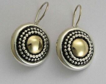 Oxidized earrings, round earrings, dangle earrings, sterling silver earrings, yellow gold earrings, mixed metal earrings - Gold Heart. E0294