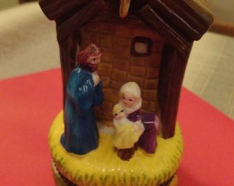Vintage Mini Nativity Trinket Ring Box with Gold Frankincense Myrrh