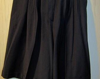 Vintage KL by KARL LAGERFELD Dark Navy Pleat Front Wool Crepe Walking Shorts