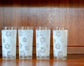 SALE vintage federal glass holiday snowflake glasses / holiday barware / entertaining / hostess gifts