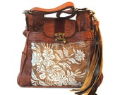 Large Leather printed Shoulder Bag in Caramel Leather with Wildflower Motif