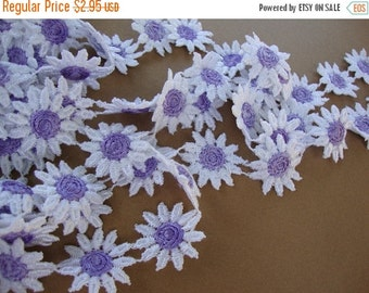 """3DAY SALE 1"""" wide ( about 32 Daisies per yard ) lilac or purple on white cotton Venice lace daisy trim S120"""