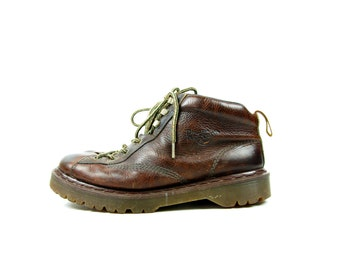 Vintage Dr. Marten 8287 Lace Up Boots // Made in England