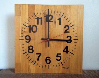 Vintage Welby Battery Operated Butcher Block Style Wood Wall Clock
