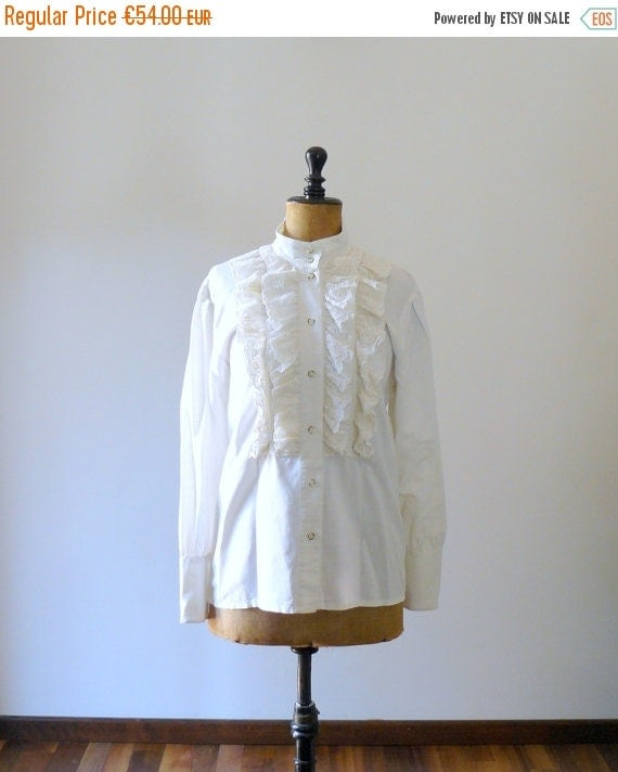 40% OFF SALE // Vintage 1980s white blouse. ascot blouse. 80s edwardian style ruffled blouse